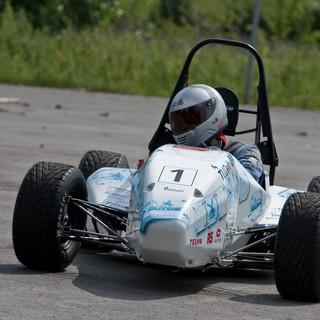 DUT Racing - DUT09 foto voor.jpg