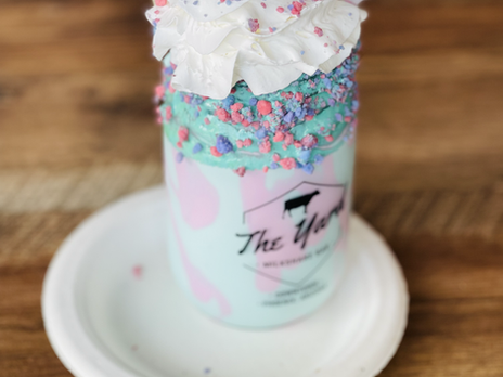 7 Ice Cream Shops In AZ With Crazy Concoctions You'll Love