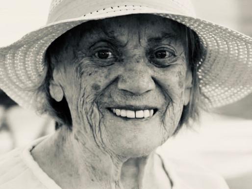 Одна з найстаріших українок-емігранток у 98 років відлетіла горлицею у кращі світи...
