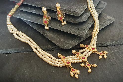 Traditional Maharashtrian Necklace - Chinchpeti