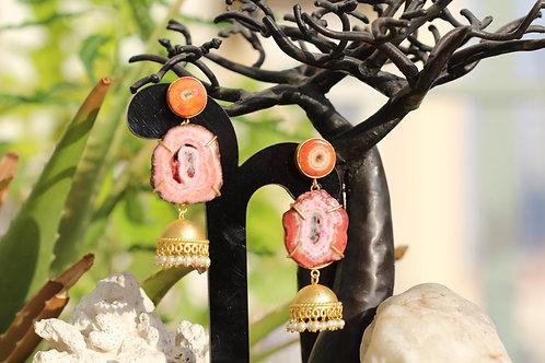 Agate and pearl earrings