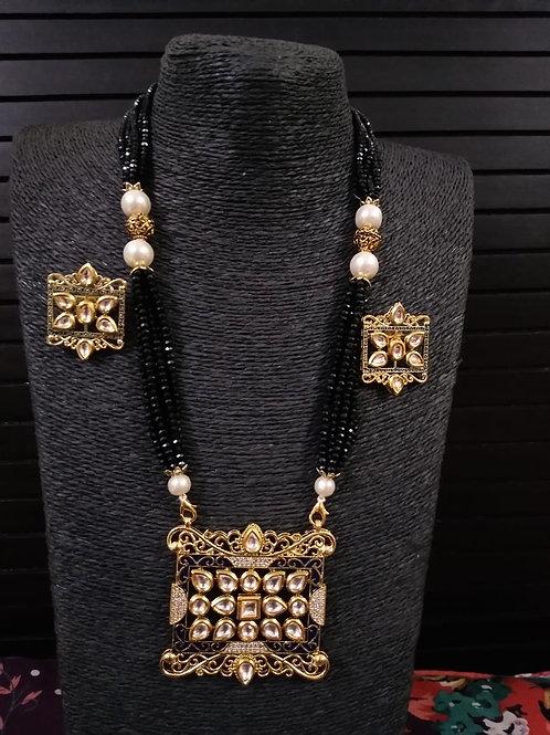 AD Kundan with black beads