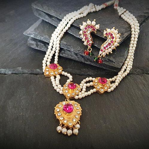 Traditional Maharashtrian Necklace - Choker with pendant