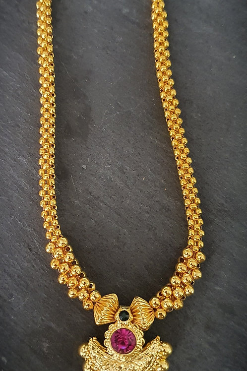 Kolhapuri Thushi with pendant
