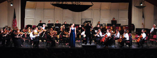with the MasterWorks Festival orchestra; photo: Kevin Hanse
