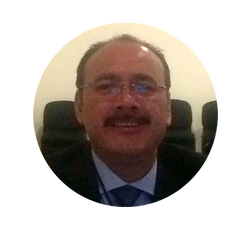Dr. Manuel Casillas