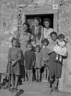 Donne e bambini a Seghettina di sopra (1943)
