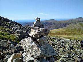 Cairn Scafell Pike (BEE-Adventures).jpg