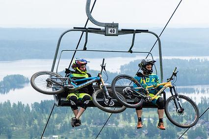 Tahko_MTB_Chairlift.jpg