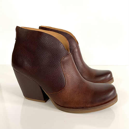 Korks Brown Leather Gemini Ankle Bootie7.5M