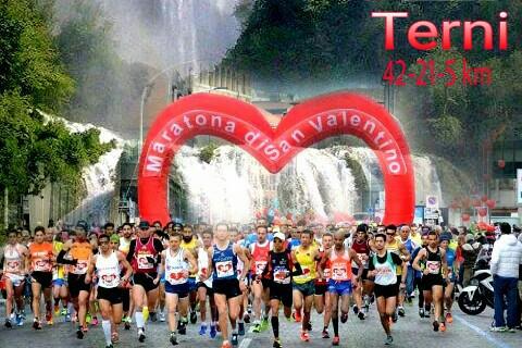 Lo spettacolo della Maratona di San Valentino, anche la Minetti in gara
