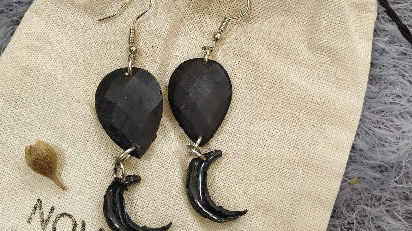 Brinco Lua Negra