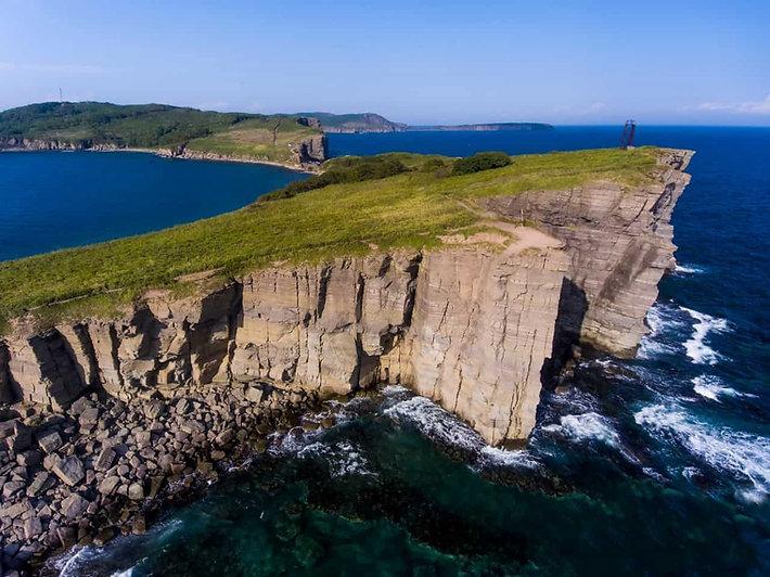 Вертолетная прогулка над островом Русски