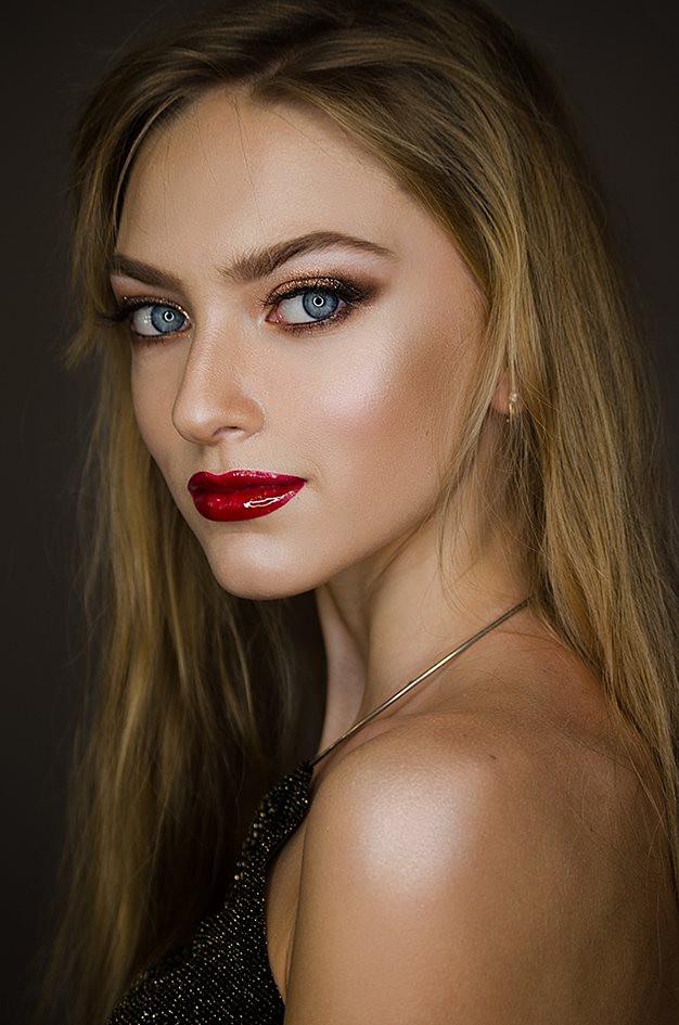 """Красные губы в макияже - курс """"сам себе визажист"""""""