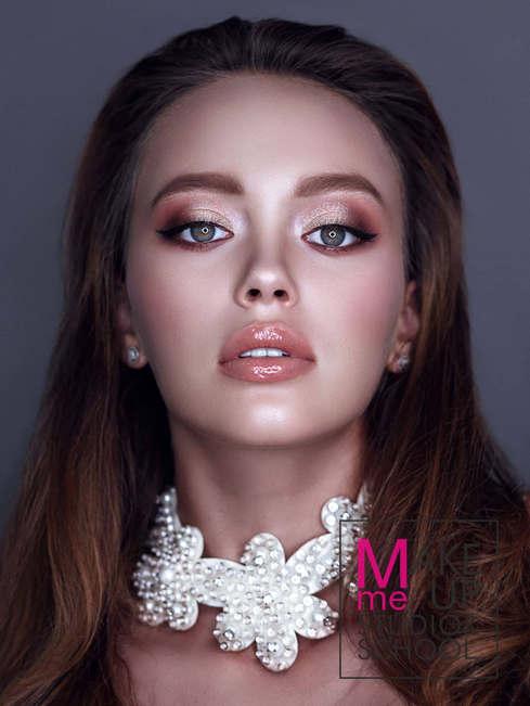 Make-Me-Up Studio-and-School-bazovyj-kur