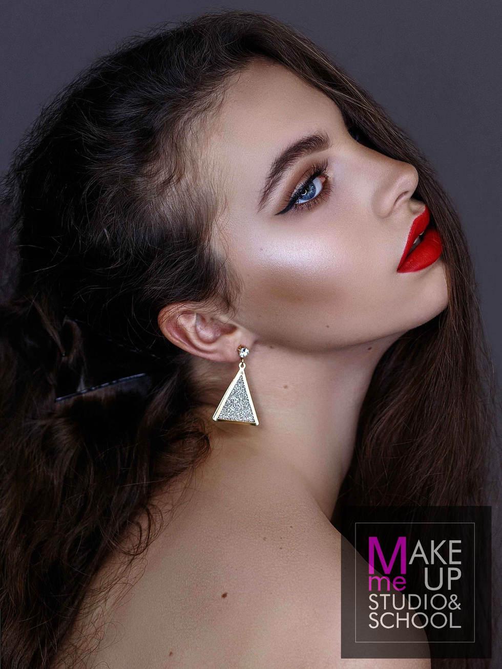 shkola-makiyazha-v-Odesse-Make-Me-Up-Stu