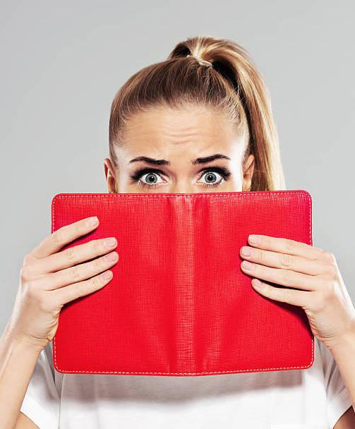 Визажист должен дублировать записи о встречах с клиентами в электронные календари