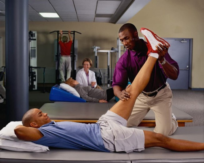 Physical therapy can be an effective way of treating the symptoms of low back pain