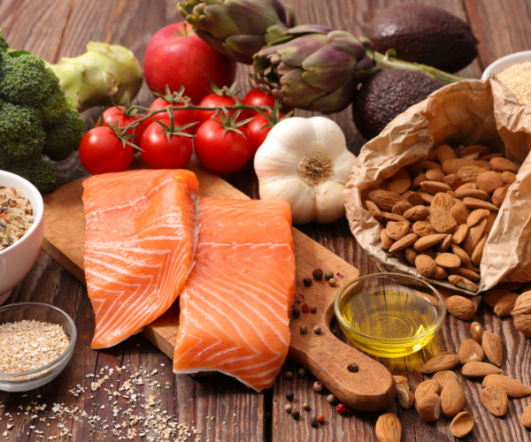 wild-caught fish, pastured poultry and  pork all make great alternatives to provide a good amount of protein to  your diet without increasing inflammation.
