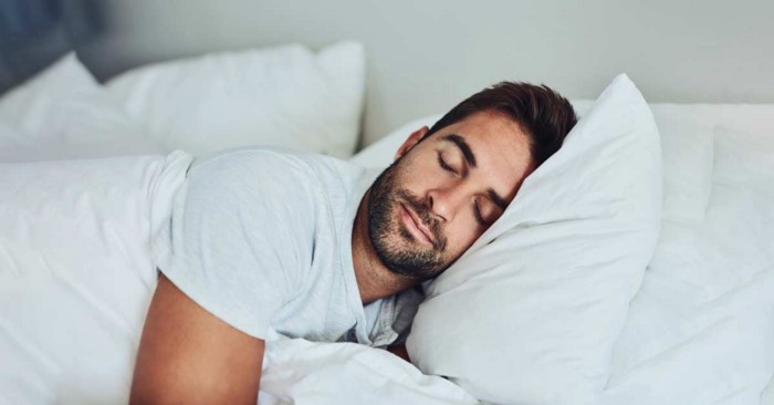 LivaFortis looks at some of the best sleeping positions for low back pain, like side sleeping.
