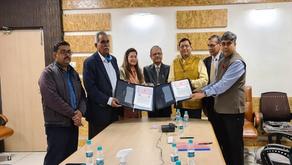 MoU Signed between Saraswati Dental College, Lucknow & Shri Ram Swaroop University, Barabanki