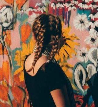 girl_graffiti.jpg