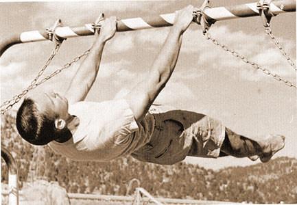John_Gill_-_Front_Lever_-_1962.JPG