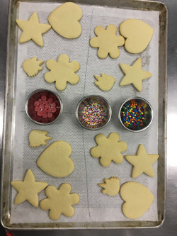 sugar cookies ready to decorate