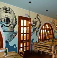interno decorazione a mano su parete.jpe