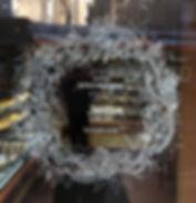 Décors au posca d'une porte de boulangerie
