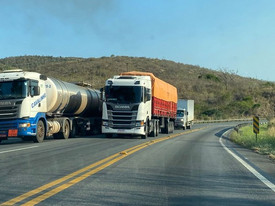 Caminhoneiros anunciam greve a partir do dia 1º de novembro se preço do diesel não baixar