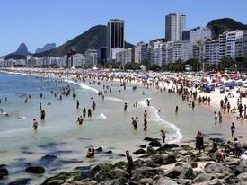 Homem é preso após tentar vender celular roubado ao próprio dono no Rio