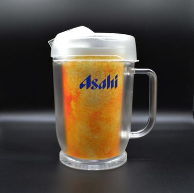 発売以来、居酒屋で使い続けられている隠れたヒット商品。アクリル製保冷ピッチャー。