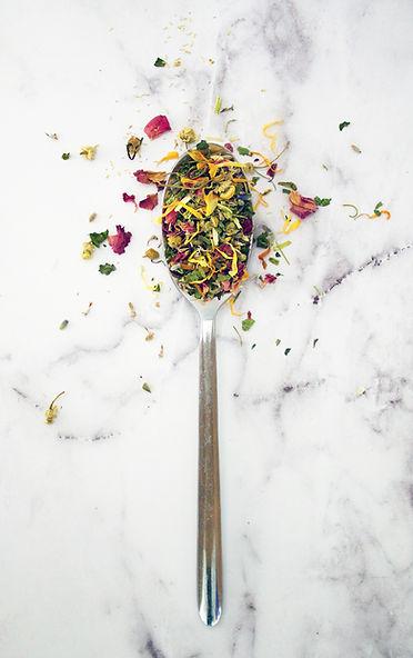 loose tea in a spoon