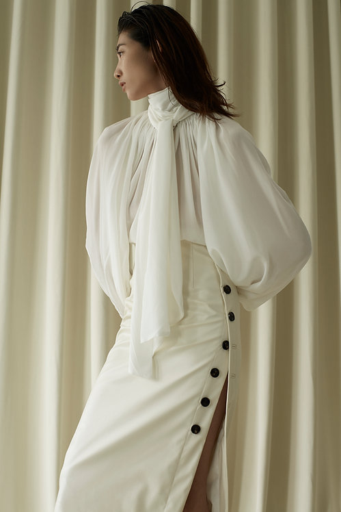 CLASSIC GATHERED BLOUSE