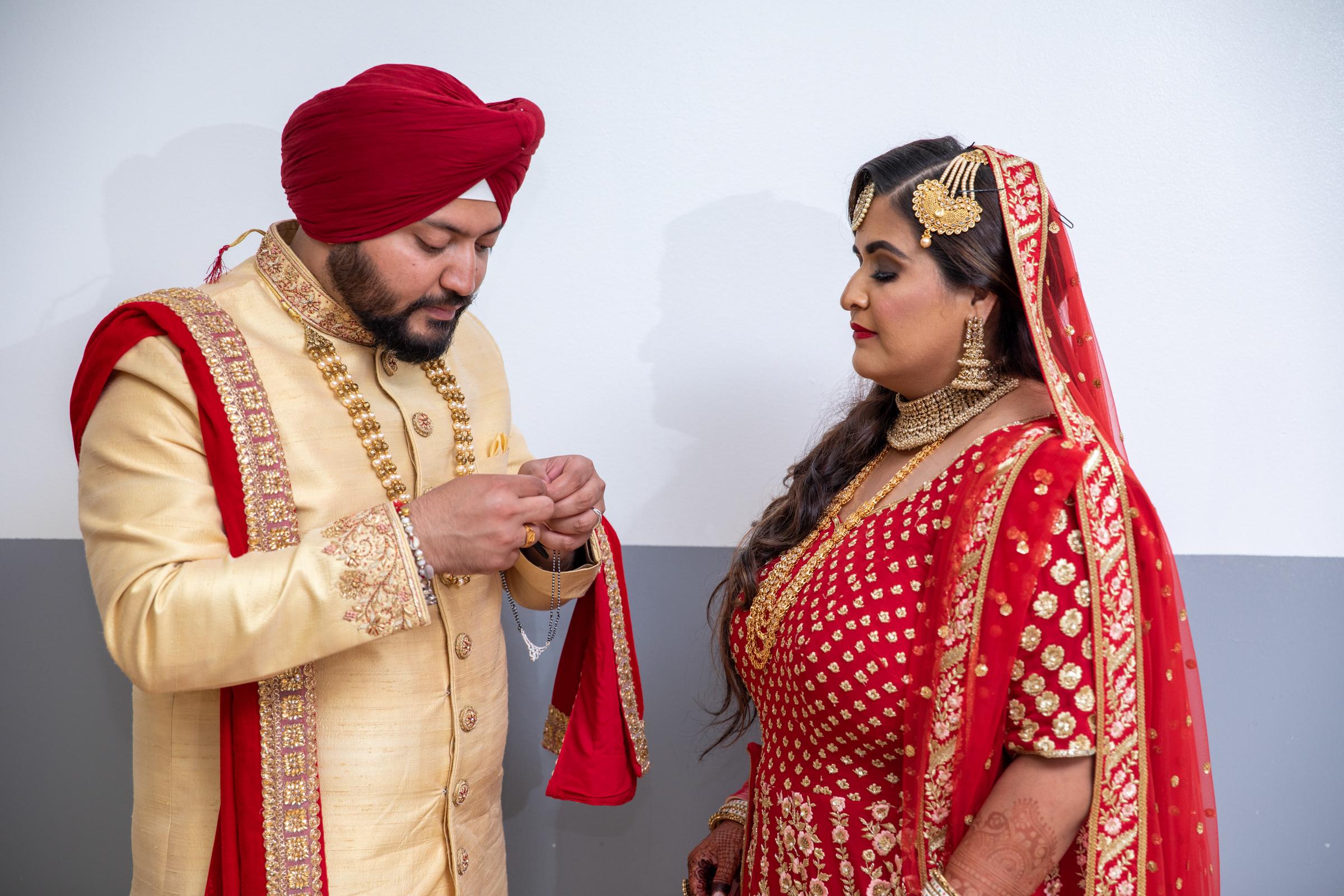 WEDDING  (592)