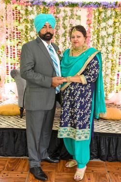LOVE WEDDING  (951)