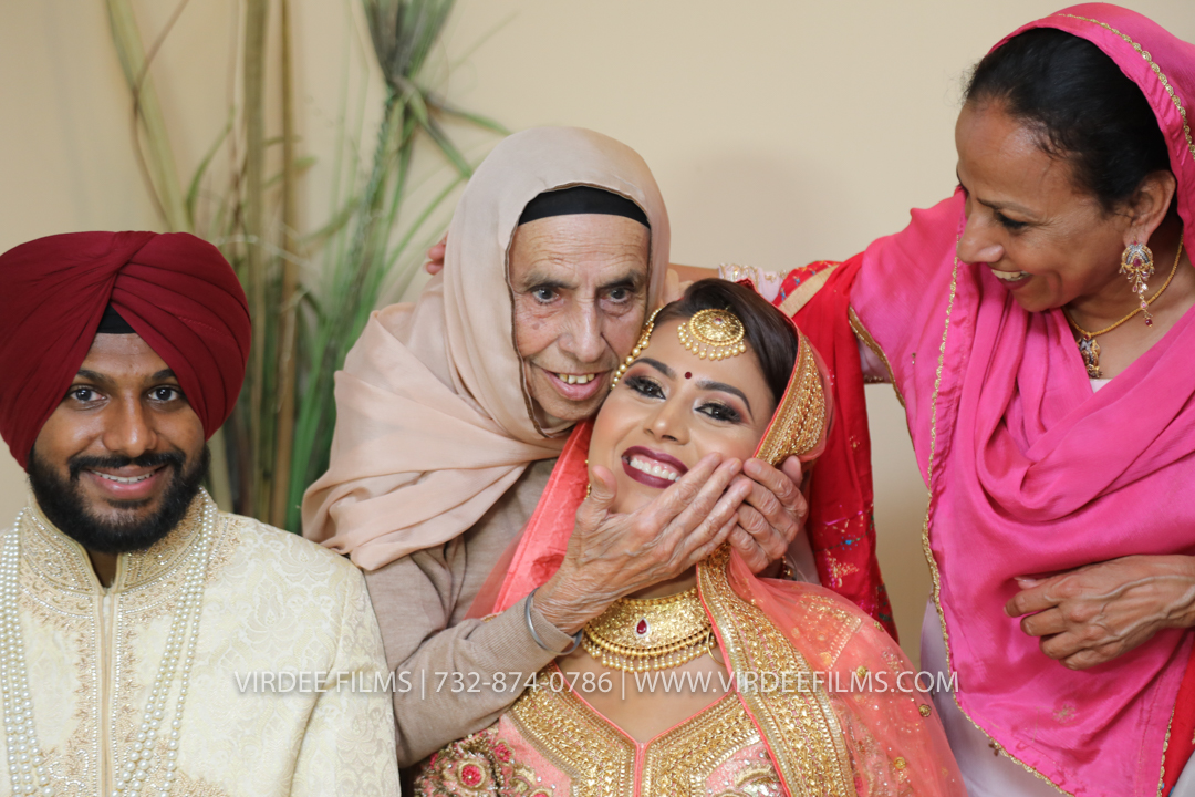 WEDDING  (945)