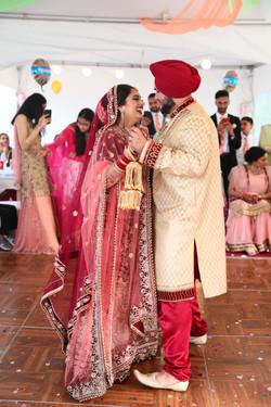 LOVE WEDDING  (1154)