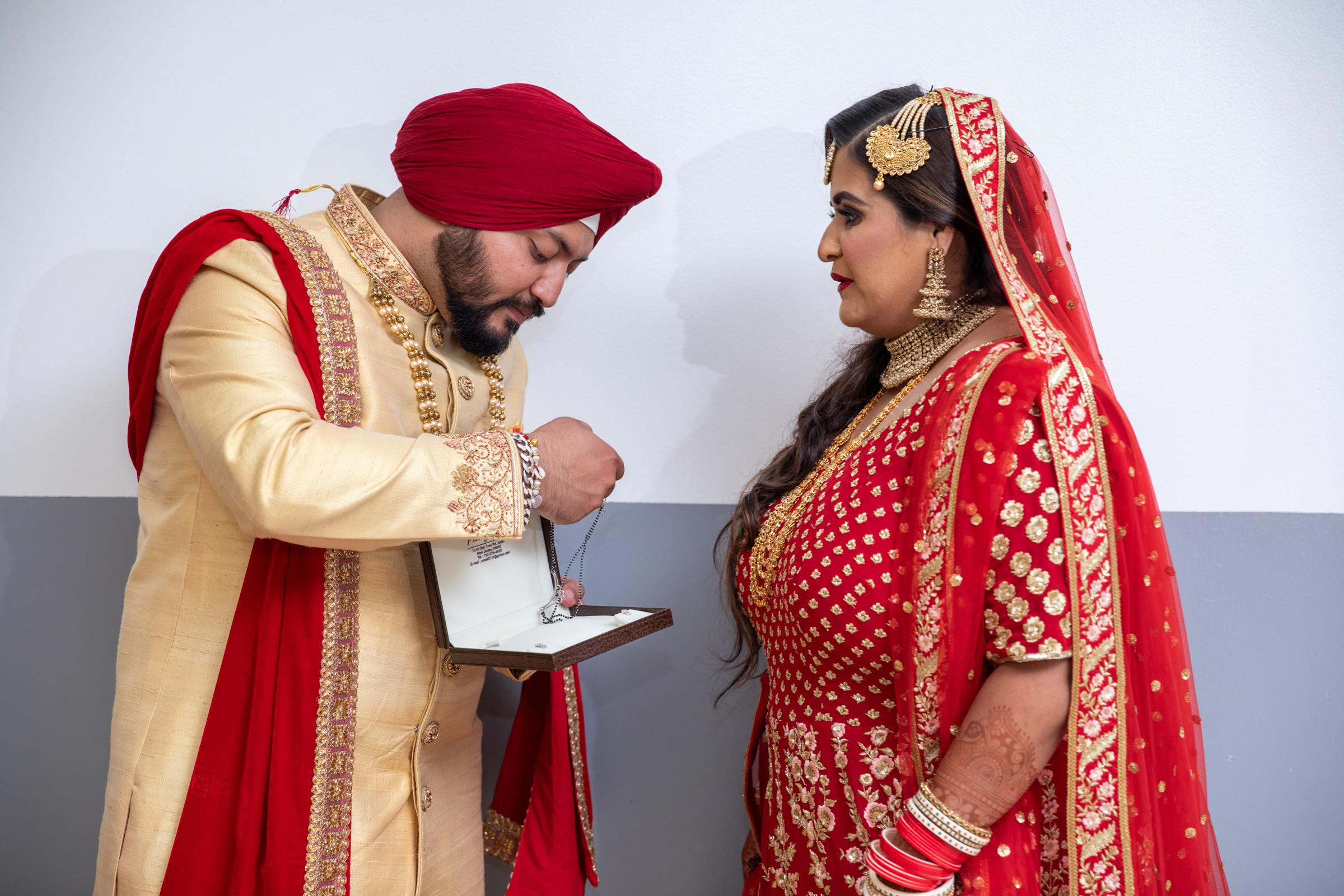 WEDDING  (591)