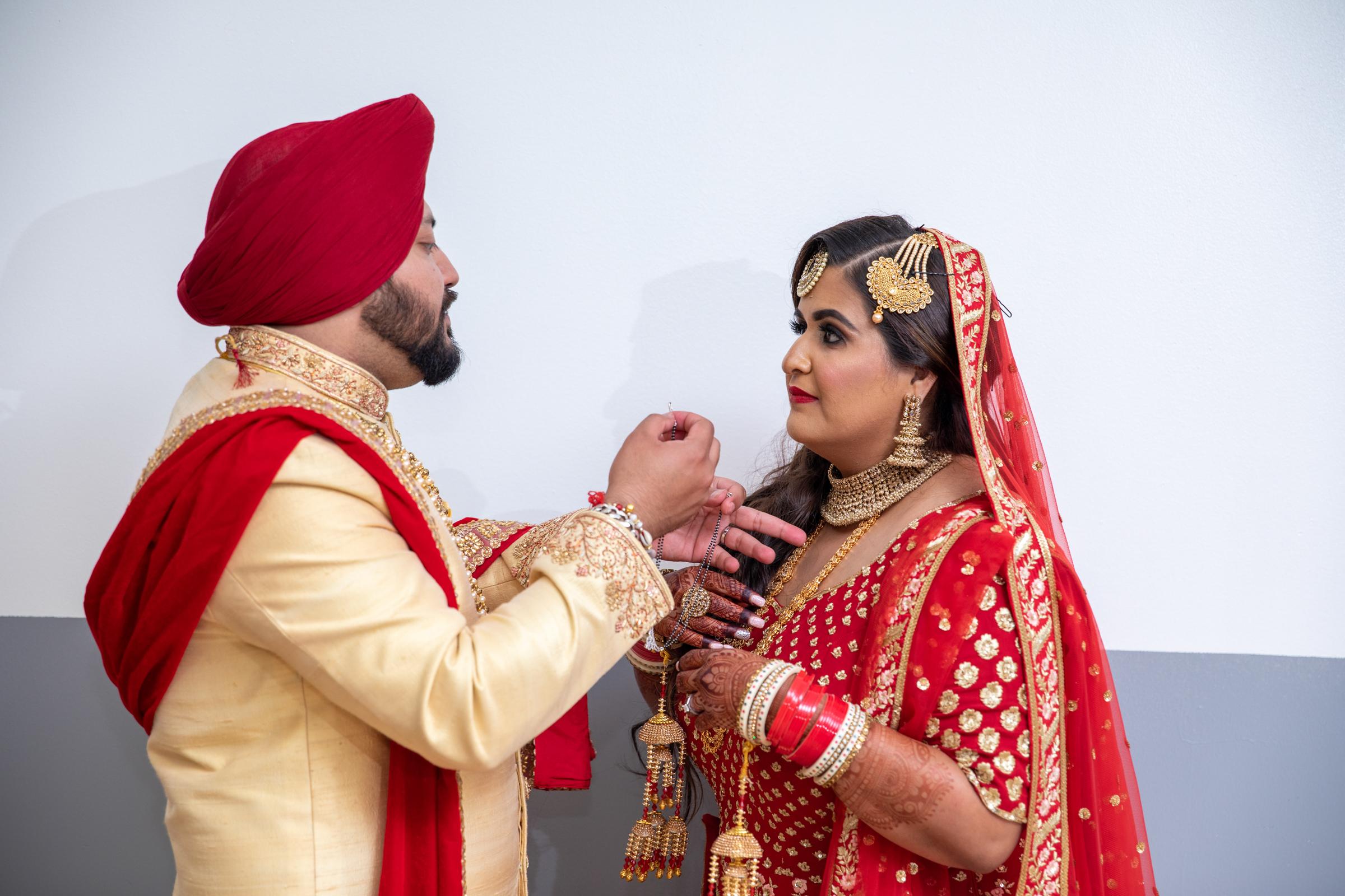 WEDDING  (593)