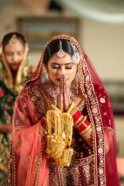 LOVE WEDDING  (647)