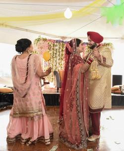 LOVE WEDDING  (1159)