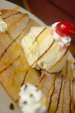 Sopapilla with Iced Cream