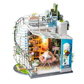 DG12-DIY-house-dora-loft.jpeg