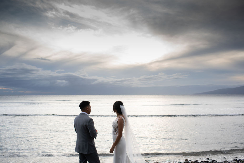 wedding couple maui oceanside