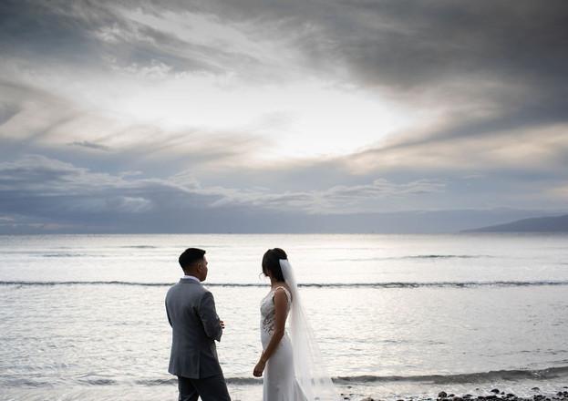 wedding couple maui oceanside