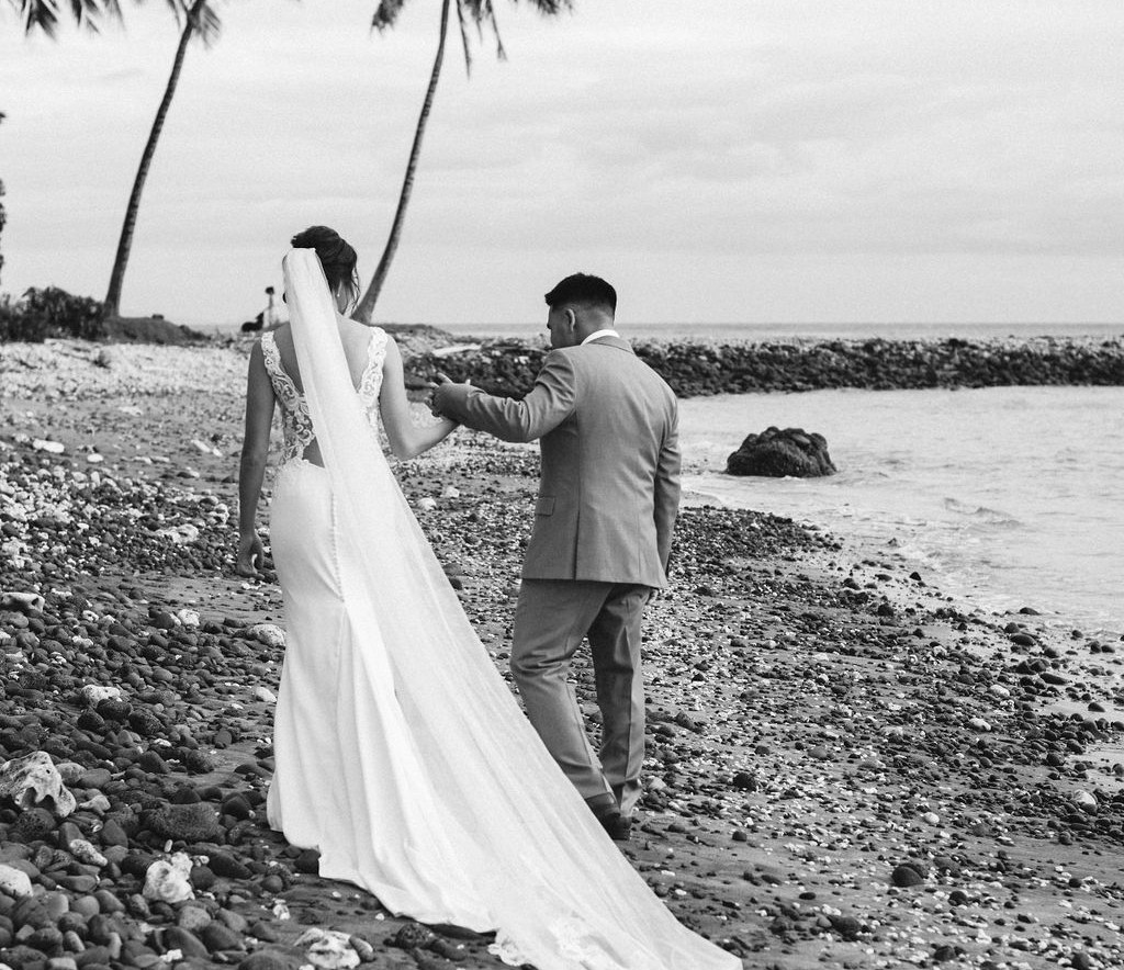 bride and groom maui oceanside