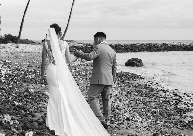 bride and groom maui oceanside