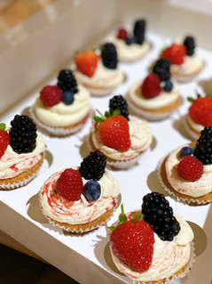 Cupcakes fresh fruit.JPG